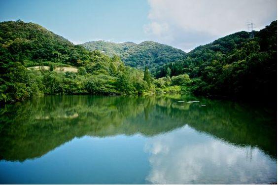 Hồ Seryang Je với màu xanh như ngọc bích