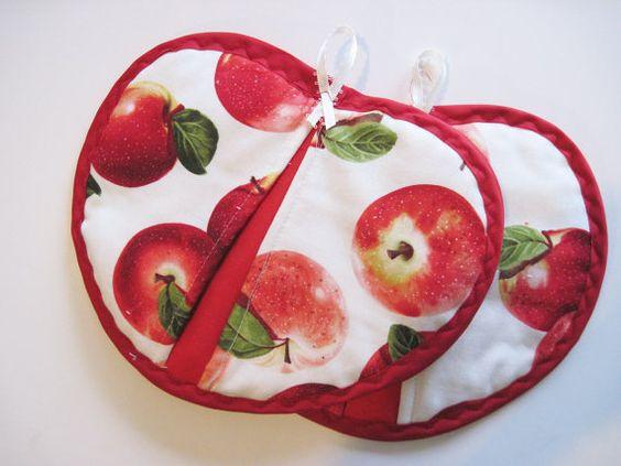 Apple Potholder set of 2 . Red apples on cream by KellettKreations