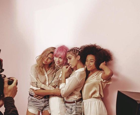 Kenya Kinski-Jones, Grimes, Lola Leon (Madonna's daughter) and Amandla Stenberg.