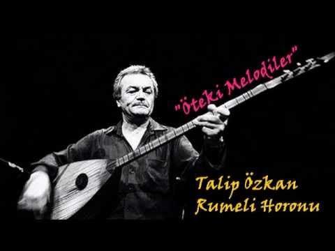 Talip Özkan - Talip Özkan (1939, Denizli - 27 Mayıs 2010, İzmir), Türk Halk Müziği sanatçısı. Lise yıllarındayken Acıpayam' da Muzaffer Sarısözen'le tanıştı. 1957'de yüksek öğrenimi için geldiği Ankara Radyosu'nda Yurttan Sesler Korosu programlarında yer aldı ve ardından sınavları kazanarak kadrolu sanatçı oldu. 1960 yılında İstanbul Radyosu'na geçiş yaptı.  20 yıla yakın TRT'de çalıştıktan sonra 1977'de Paris'e yerleşti. Paris Konservatuvarı'ndaki eğitmenliğinin yanı sıra Paris…