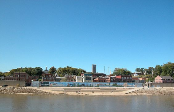 Cape Girardeau as seen from the river, by Cape Girardeau Convention and Visitors Bureau, via Flickr