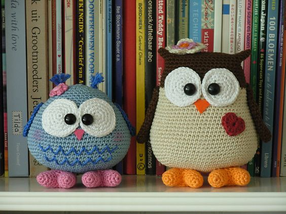 Ravelry: Antoinette06's Mama & Baby Owl  link to pattern  ༺✿Teresa Restegui http://www.pinterest.com/teretegui/✿༻