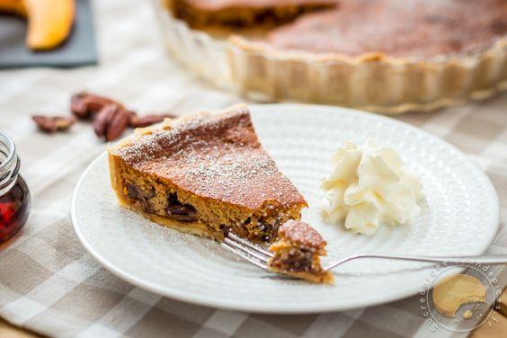 J'adore la tarte sucrée au potiron, et cela fait très longtemps que je cherchais la recette avec les noix de pécan. Bingo ! Je vais essayer cette pumpkin pie très très vite !