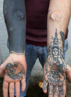 Hands hindu tattoo beautiful tattoos pinterest hindu for Maroon 5 tattoos hindu
