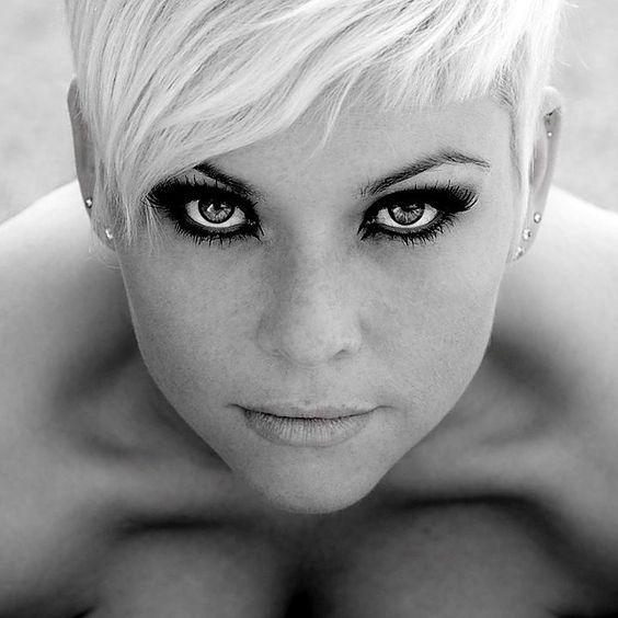 Faces of Women - Minus