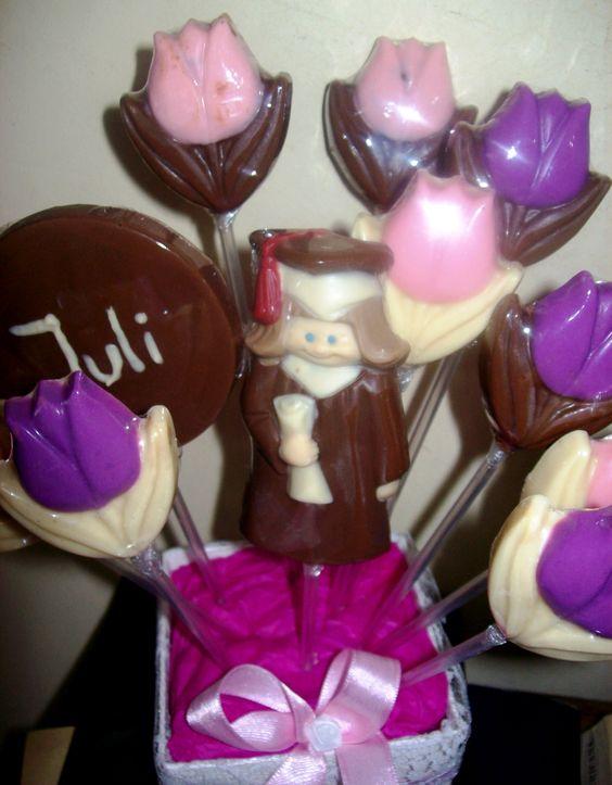 Martín le regaló a Julieta estos chocolates cuando aprobó la previa de química , la semana pasada.