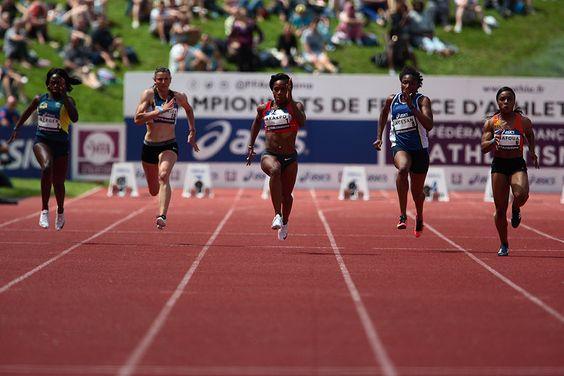 """#CFathlé #Angers Au centre, Stella Akakpo décroche l'or sur le 100 m féminin, en 11""""17. (Photo: Matthieu Tourault/Ville d'Angers)"""