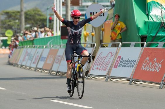 Sarah Storey: Gold in the C4-5 cycling road race