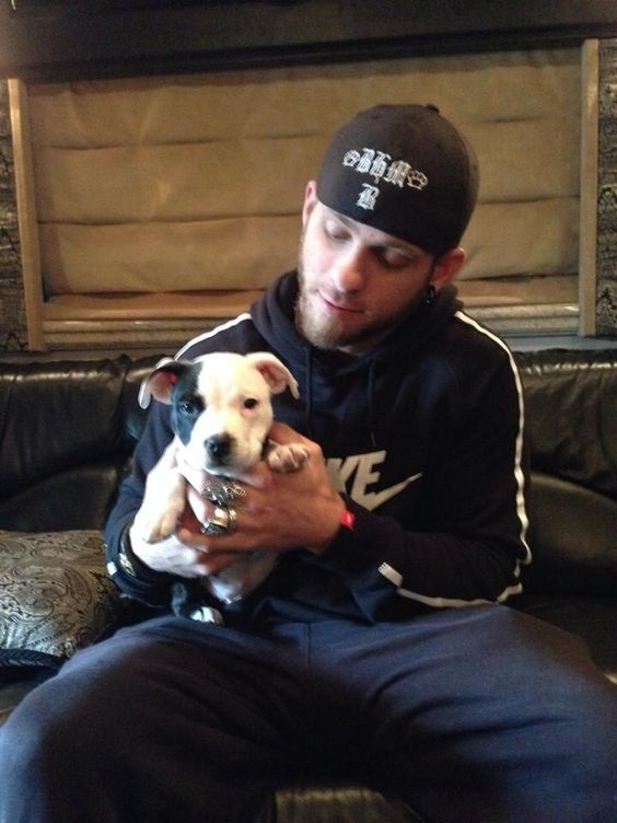 Brantley Gilbert my future husband but he just don't know it yet !!!!!
