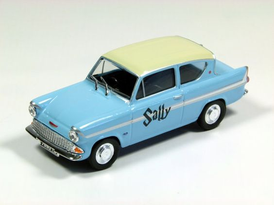 Flower Girl Personalised Gift Mr Weasley S Ford Anglia From Harry Potter Small Die Cast Model Car 1 43 Scale 8cm With Images Flower Girl Personalized Gift Ford Anglia Diecast