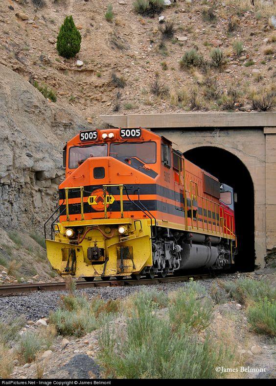 UR 5005 Utah Railway Company MK50-3 at Helper, Utah by James Belmont