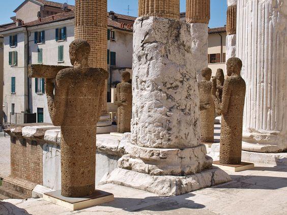 Ouverture di Paladino invade Brescia : Capitolium.