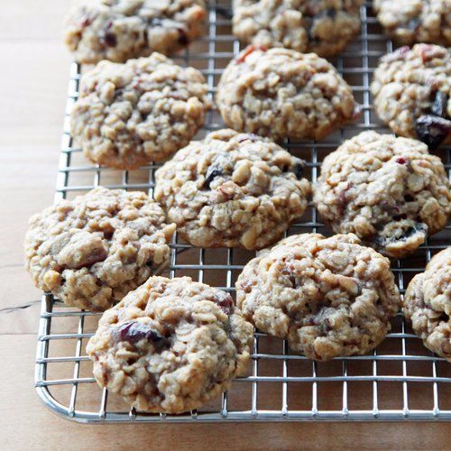 Chewy, Vanilla-Rich Oatmeal Cookies