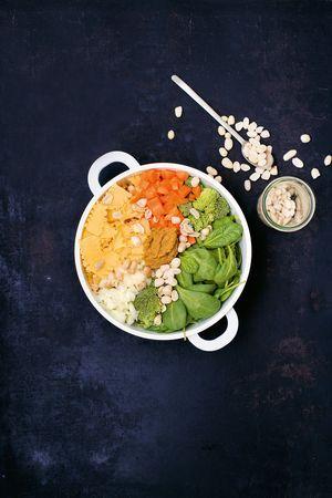 Mafaldine mit Erdnuss und Spinat