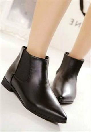 Chic Black Vintage Design Pointed Toe Ankle Boots