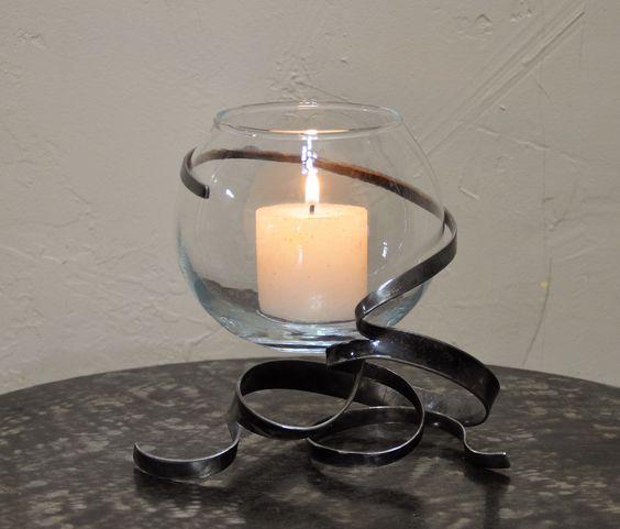Bougeoir en fer forg vernis et son photophore boule en verre translucide fils - Bougeoir en fer forge ...