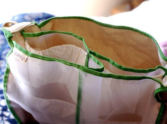 Interesting design, Mercado market bag, lots of different pockets for keeping easily bruised items safe