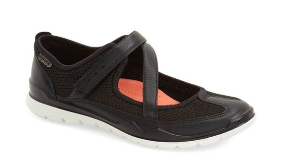 The Most Comfortable Walking Shoes for Europe - Cute and Stylish