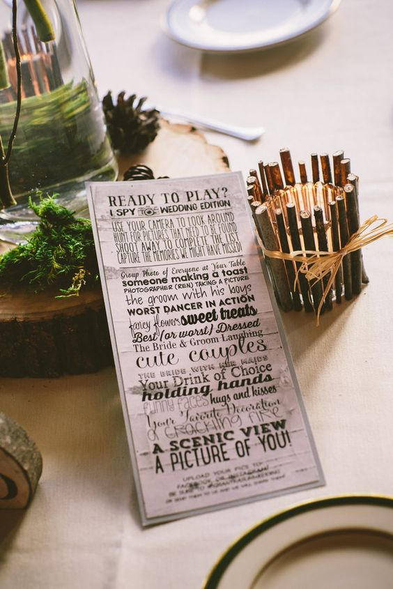 "Keep your wedding guests entertained with an ""I Spy"" photo game 