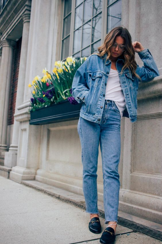 As you know, I love high waisted, light wash, tapered jeans = mom jeans. I love the way they make outfits look, casual but chic (and comfy!). Although I have to admit, they're not the best pants to eat in since they hit right where your stomach is, haha. I wanted to give you some ideas on how