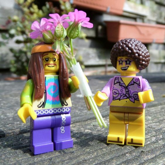 Fresh flowers for Donna ! /lego minifigures