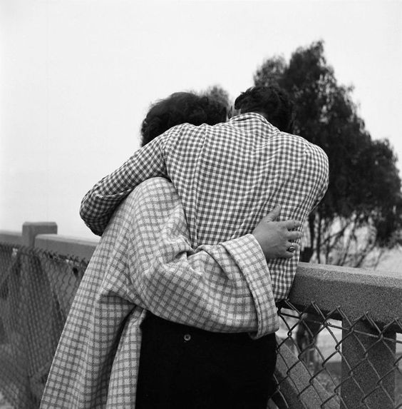 Vivian Maier, Untitled (Couple Embracing with Checkered Clothing), ca. 1960s
