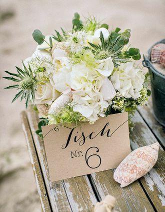 Tischnummer mit verschiedenen Schriftarten auf Kraftpapier – table number on kraft paper – www.weddingstyle.de