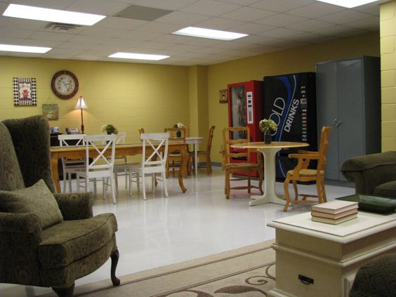 Teacher lounge shabby chic and lounges on pinterest for Lounge makeover ideas
