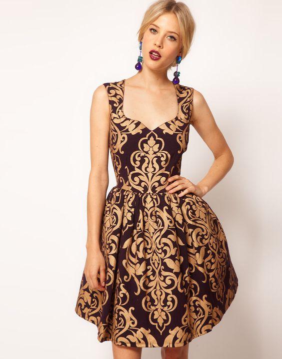 Opulence: Asos Kleid mit Brokatmuster