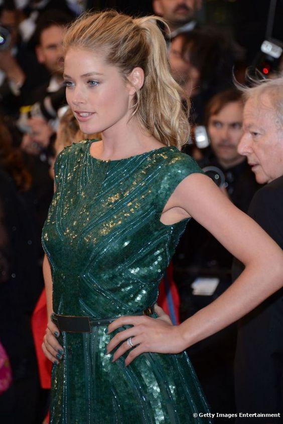 Doutzen Kroes ha optato per la versione alta e ondulata della coda di cavallo, il 25 maggio 2012, al 65° Festival di Cannes.