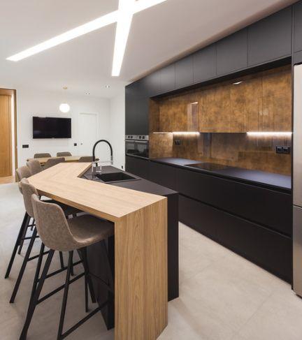 Cocinas Con Isla 2021 2020 100 Imagenes Ideas Y Tendencias Luxury Kitchen Decor Kitchen Island Design Modern Kitchen Island