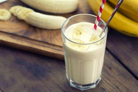 Recette de smoothie banane au Thermomix TM31 ou TM5. Faites cette boisson en mode étape par étape comme sur votre Thermomix !