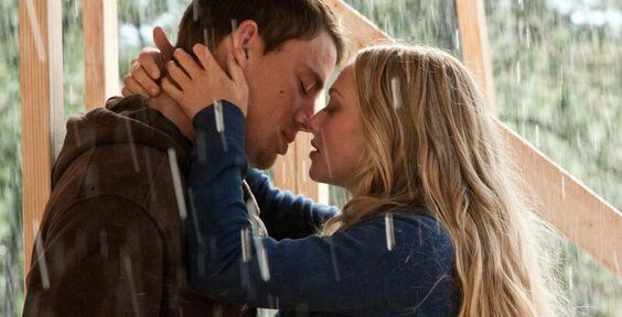 """""""Das Leuchten der Stille"""" - Kinofilm - Für John (Channing Tatum) und Savannah (Amanda Seyfried) ist es Liebe auf den ersten Blick. Ein Film nach dem Bestseller von Nicholas Sparks."""