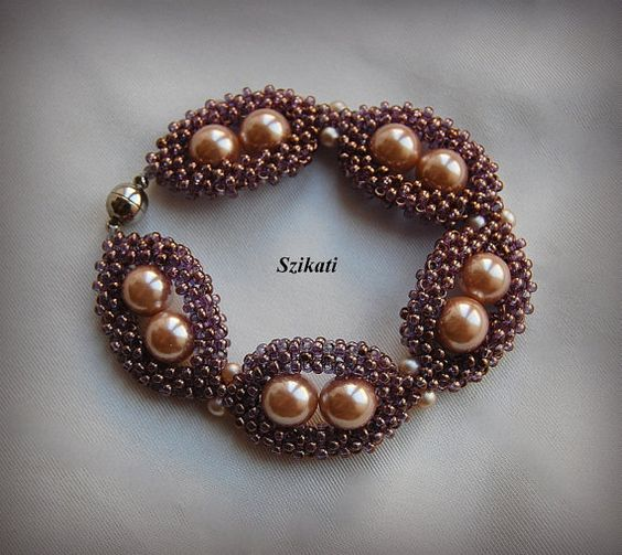 Elegant pearl seed bead bracelet, Beadwoven bracelet, Statement beadwork, Right Angle Weave, OOAK