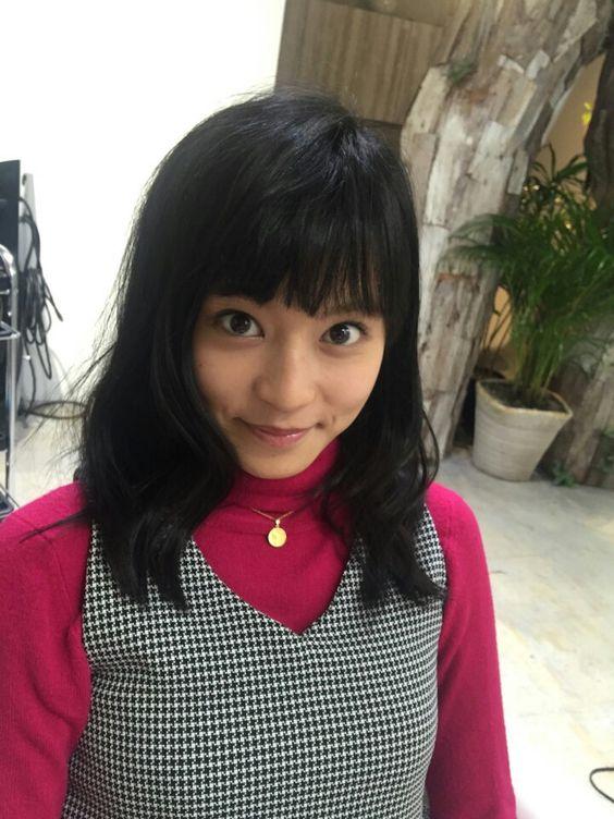 前髪を厚く降ろしたかわいい小島瑠璃子