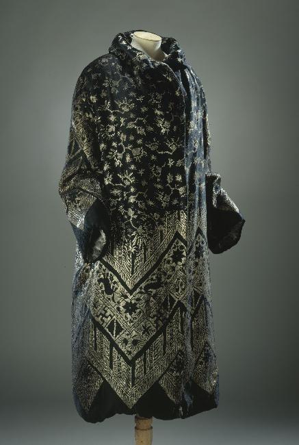 Coat,    1920-1925.    Musée Galleria de la Mode de la Ville de Paris