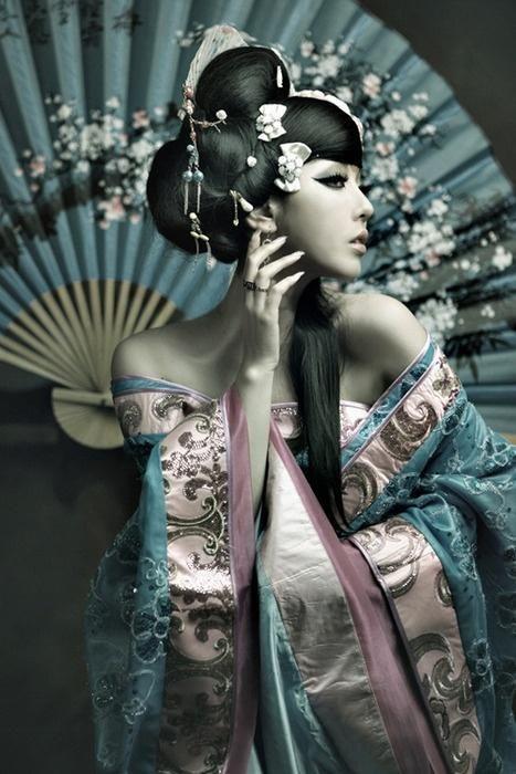 Misty blue and blush pink geisha style photo. rose quartz & serenity pantone 2016