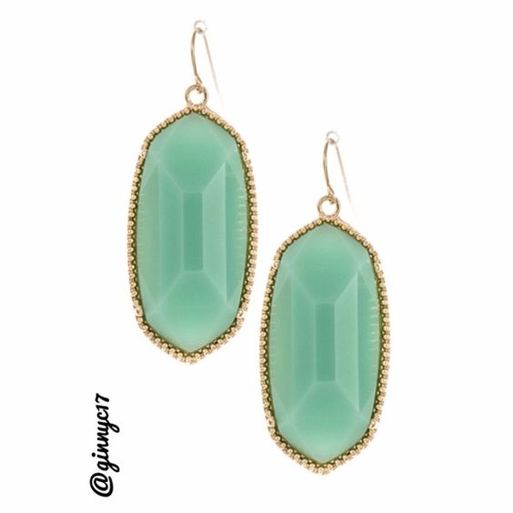Trendy Mint Faceted/Framed Stone Earrings GET THE LOOK! Trendy Mint Faceted/Framed Stone Earrings. 2 1/2 Drop. Lead/Nickel Free. PRICE IS FIRM/LOWEST. No Price Drops or offers under asking. Thank you for Visiting my Closet Boutique Jewelry Earrings