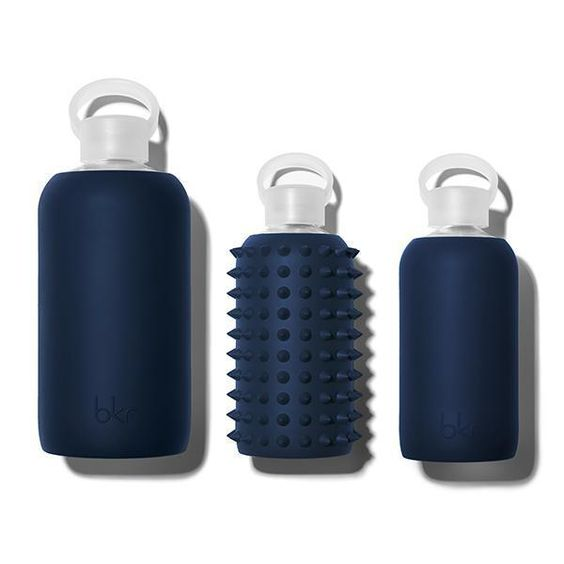 FIFTH AVE. 500 ML - 16oz Navy Blue Glass Water Bottle | bkr