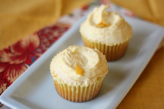 Hummingbird Bakery Lemon Cupcakes! Might be the next creation!