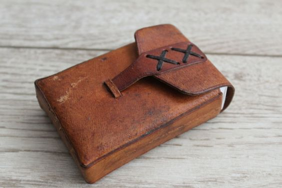 Leather Cigarette Case  Handmade Embossed Case  Vintage by NarMag