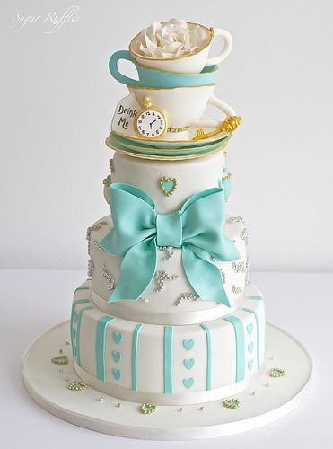 Alice In Wonderland Wedding Cake: