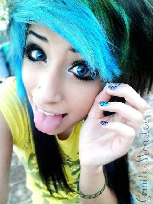 Emo Girl With Black Hair And Green Eyes Amazing Hair Glamor ...