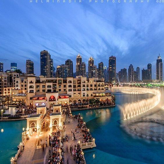 #Dubai Fountain & Souq Al Bahar ------------------------------------------- Video Credit: Helminadin Ranford #DubaiTag