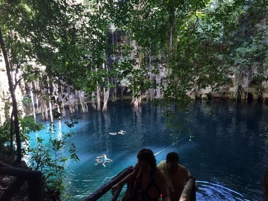 Cenote Yokdzonot, Yucatán, México