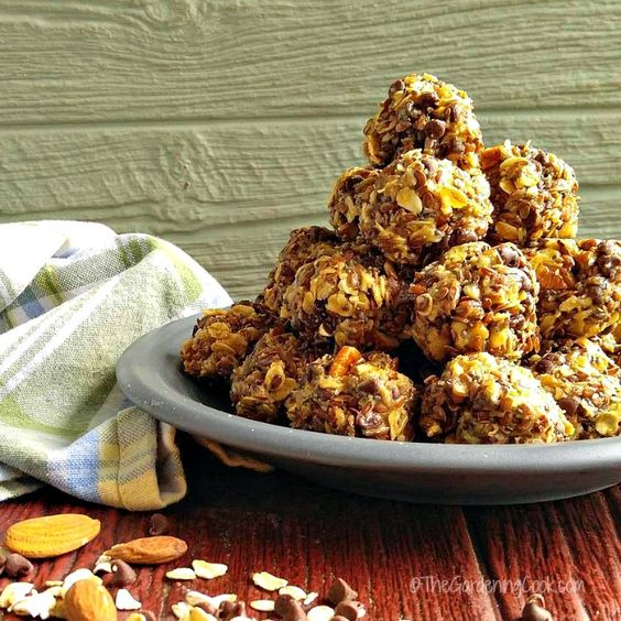 These no bake peanut butter energy bites are full of healthy goodness and give a burst of energy.  Super tasty too.  thegardeningcook.com