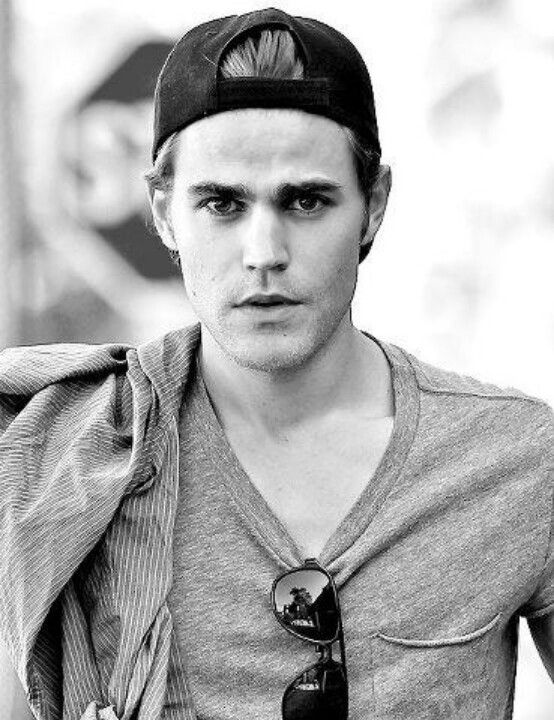 I love the backwards hat trend. Some guys just pull it off so well, and he's one of them...