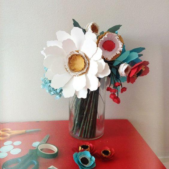 paper wedding bouquet by Annie Mertlich #paperflowers #weddingbouquet