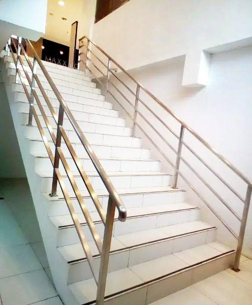 Railing Tangga Stainless Model Jari Jari Horizontal Dalam Rumah Tinggal Rumah Indah Tangga Rumah