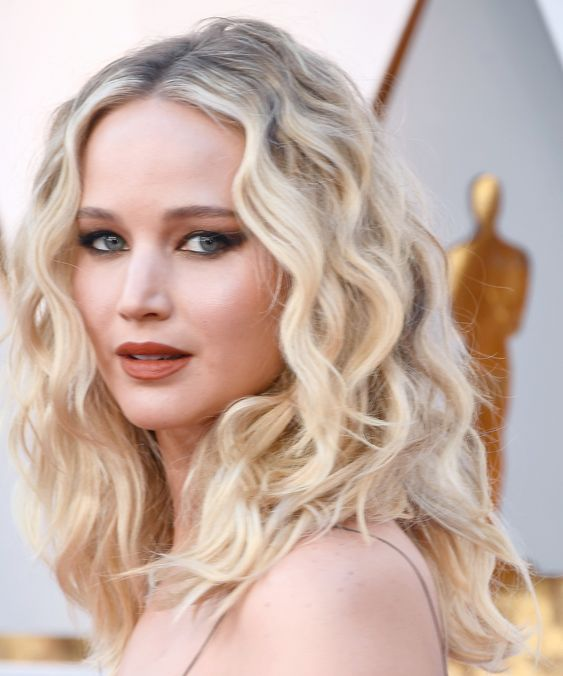 The Best Beauty Looks from the 2018 Oscars - Jennifer Lawrence from InStyle.com